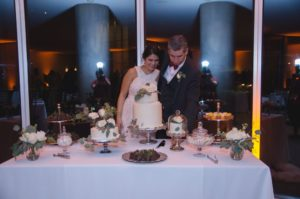 all-that-glam-wedding-planning-eucalyptus-and-white-roses-wedding-museum-of-art-FW (39)
