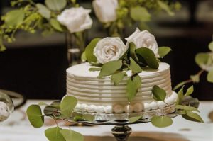 all-that-glam-wedding-planning-eucalyptus-and-white-roses-wedding-museum-of-art-FW (83)
