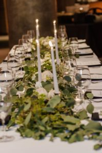 all-that-glam-wedding-planning-eucalyptus-and-white-roses-wedding-museum-of-art-FW (89)