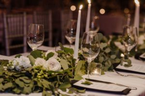 all-that-glam-wedding-planning-eucalyptus-and-white-roses-wedding-museum-of-art-FW (91)