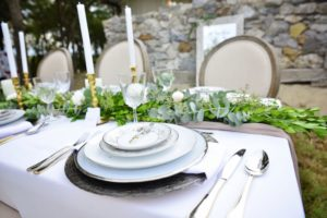 all-that-glam-cream-eucalyptus-runner-wedding-planning-and-styling-m hurtado (1)