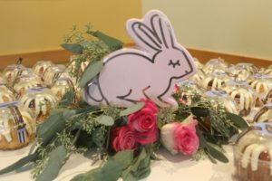 sweet-table-baby-shower-little-bunny-all-that-glam (43)